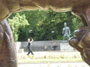 Düsseldorf Ehrenhof 150625 e Eisenmann & nur Tänzer
