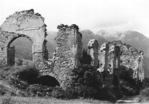 Engadiner Haus Ruine Ardez