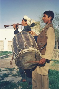 Mazar April 1974  Zorna & Dhol Farbe