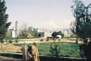 Mazar April 1974 i Moschee Farbe