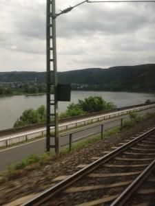 Stuttgart Hinfahrt am Rhein Ausblick z