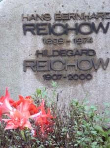 Grabinschrift Hans B Reichow & Hilde kl