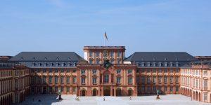 JR Mannheim_Schloss_Ehrenhof