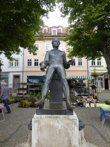 Arnstadt Denkmal b