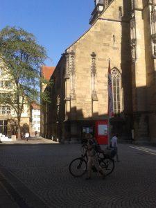 stuttgart-stiftskirche-160907-mit-nebenhaus