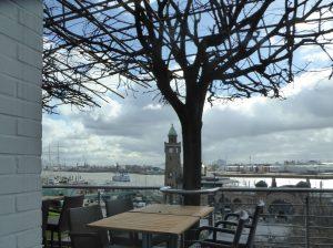 Hamburg Hafen März Regen Hotelausblick 34