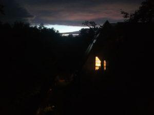 Nachbarhaus nachts 20170930